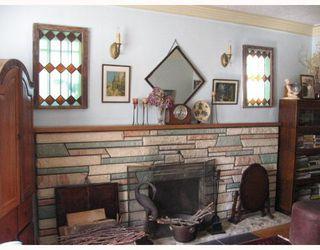 Photo 3: 2063 NAPIER Street in Grandview VE: Home for sale : MLS®# V788092