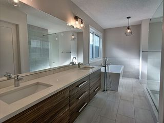 Photo 3: 6329 Crawford Link in Edmonton: Zone 55 House for sale : MLS®# E4167134