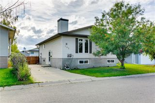 Photo 1: 103 WHITERAM Close NE in Calgary: Whitehorn Detached for sale : MLS®# C4268249