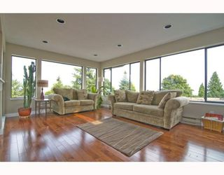 Photo 2: 2766 Daybreak Avenue in Coquitlam: Ranch Park House for sale : MLS®# Private Sale