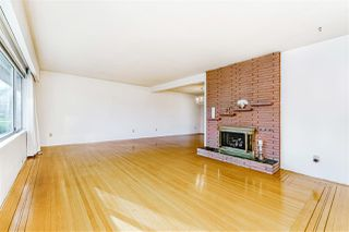 """Photo 4: 8727 CREST Drive in Burnaby: The Crest House for sale in """"Cariboo-Cumberland"""" (Burnaby East)  : MLS®# R2422475"""