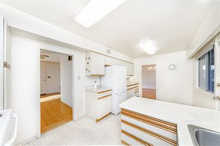 """Photo 6: 8727 CREST Drive in Burnaby: The Crest House for sale in """"Cariboo-Cumberland"""" (Burnaby East)  : MLS®# R2422475"""