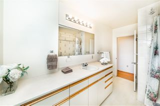 """Photo 11: 8727 CREST Drive in Burnaby: The Crest House for sale in """"Cariboo-Cumberland"""" (Burnaby East)  : MLS®# R2422475"""