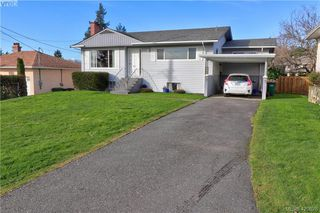 Photo 19: 1094 Londonderry Road in VICTORIA: SE Lake Hill Single Family Detached for sale (Saanich East)  : MLS®# 420628