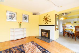 Photo 4: 3316 Whittier Ave in VICTORIA: SW Rudd Park House for sale (Saanich West)  : MLS®# 834896