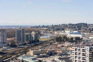 "Photo 2: 3009 888 CARNARVON Street in New Westminster: Downtown NW Condo for sale in ""MARINUS OF PLAZA 88"" : MLS®# R2460328"