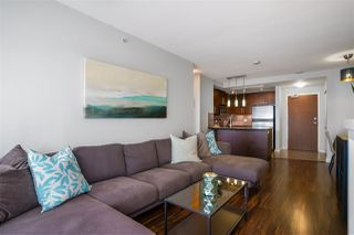 "Photo 7: 3009 888 CARNARVON Street in New Westminster: Downtown NW Condo for sale in ""MARINUS OF PLAZA 88"" : MLS®# R2460328"