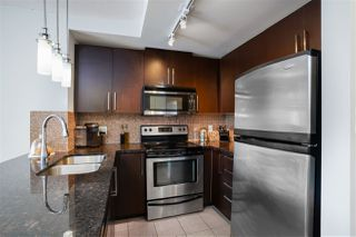 "Photo 10: 3009 888 CARNARVON Street in New Westminster: Downtown NW Condo for sale in ""MARINUS OF PLAZA 88"" : MLS®# R2460328"