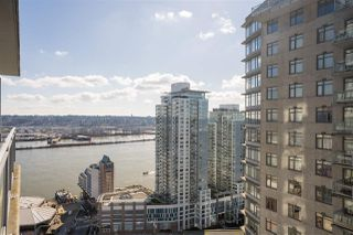 "Photo 1: 3009 888 CARNARVON Street in New Westminster: Downtown NW Condo for sale in ""MARINUS OF PLAZA 88"" : MLS®# R2460328"