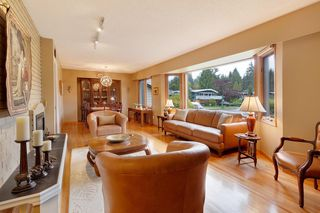 "Photo 8: 3091 HOSKINS Road in North Vancouver: Lynn Valley House for sale in ""Lynn Valley"" : MLS®# R2465736"