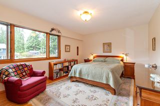 "Photo 10: 3091 HOSKINS Road in North Vancouver: Lynn Valley House for sale in ""Lynn Valley"" : MLS®# R2465736"