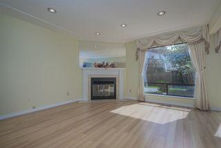 "Photo 3: 9040 DANYLUK Court in Richmond: Broadmoor House for sale in ""BROADMOOR"" : MLS®# R2470080"