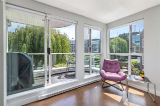 "Main Photo: 204 1551 MARINER Walk in Vancouver: False Creek Condo for sale in ""The Lagoons"" (Vancouver West)  : MLS®# R2471661"