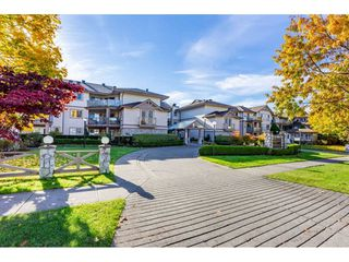 """Photo 2: 315 22150 48 Avenue in Langley: Murrayville Condo for sale in """"Eaglecrest"""" : MLS®# R2514880"""