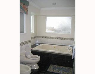 """Photo 9: 1461 W 55TH Avenue in Vancouver: South Granville House for sale in """"NIL"""" (Vancouver West)  : MLS®# V643971"""