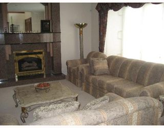"""Photo 2: 1461 W 55TH Avenue in Vancouver: South Granville House for sale in """"NIL"""" (Vancouver West)  : MLS®# V643971"""