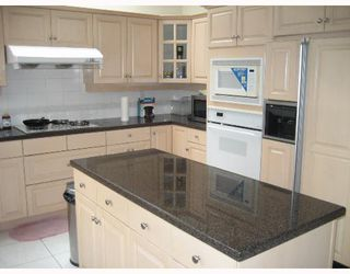 """Photo 4: 1461 W 55TH Avenue in Vancouver: South Granville House for sale in """"NIL"""" (Vancouver West)  : MLS®# V643971"""