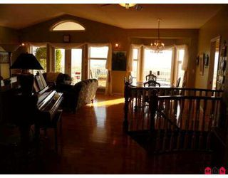 "Photo 3: 36227 SANDRINGHAM Drive in Abbotsford: Abbotsford East House for sale in ""Carrington Estates"" : MLS®# F2726552"