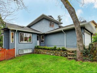 Photo 23: 1370 Charles Pl in VICTORIA: SE Cedar Hill Single Family Detached for sale (Saanich East)  : MLS®# 834275
