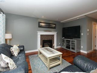 Photo 7: 1370 Charles Pl in VICTORIA: SE Cedar Hill Single Family Detached for sale (Saanich East)  : MLS®# 834275