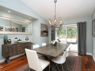 Photo 5: 1370 Charles Pl in VICTORIA: SE Cedar Hill House for sale (Saanich East)  : MLS®# 834275
