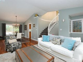 Photo 9: 1370 Charles Pl in VICTORIA: SE Cedar Hill Single Family Detached for sale (Saanich East)  : MLS®# 834275
