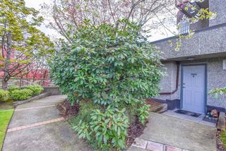 """Photo 4: T6901 3980 CARRIGAN Court in Burnaby: Government Road Townhouse for sale in """"DISCOVERY PLANCE"""" (Burnaby North)  : MLS®# R2447098"""