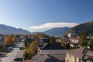 """Photo 17: 602 38013 THIRD Avenue in Squamish: Downtown SQ Condo for sale in """"THE LAUREN"""" : MLS®# R2458199"""