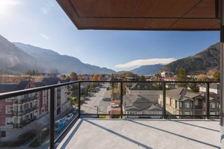 """Photo 14: 602 38013 THIRD Avenue in Squamish: Downtown SQ Condo for sale in """"THE LAUREN"""" : MLS®# R2458199"""