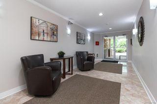 Photo 2: 203 1501 Richmond Ave in Victoria: Vi Jubilee Condo for sale : MLS®# 841164
