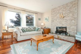 Photo 9: 2460 Costa Vista Pl in : CS Tanner Single Family Detached for sale (Central Saanich)  : MLS®# 855596