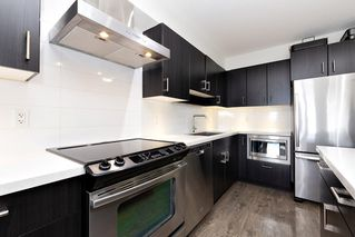 """Photo 8: 402 500 ROYAL Avenue in New Westminster: Downtown NW Condo for sale in """"DOMINION"""" : MLS®# R2501724"""