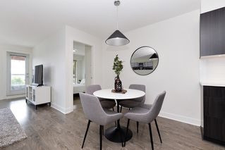 """Photo 5: 402 500 ROYAL Avenue in New Westminster: Downtown NW Condo for sale in """"DOMINION"""" : MLS®# R2501724"""