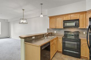 Photo 13: 2208 1888 SIGNATURE Park SW in Calgary: Signal Hill Apartment for sale : MLS®# A1054264