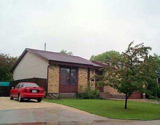 Photo 1: 35 POITRAS Place in Winnipeg: St Vital Single Family Detached for sale (South East Winnipeg)  : MLS®# 2508617
