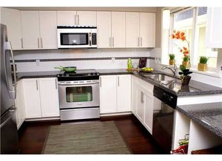 "Photo 2: #20 345 East 33rd Avenue in Vancouver: Main Condo for sale in ""WALK TO MAIN"" (Vancouver East)"