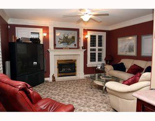 "Photo 2: 5562 4TH Avenue in Tsawwassen: Pebble Hill House 1/2 Duplex for sale in ""PEBBLE HILL"" : MLS®# V672220"