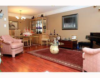 "Photo 3: 5562 4TH Avenue in Tsawwassen: Pebble Hill House 1/2 Duplex for sale in ""PEBBLE HILL"" : MLS®# V672220"
