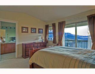 """Photo 3: 18 1026 GLACIER VIEW Drive in Squamish: Garibaldi Highlands Townhouse for sale in """"SEASONVIEW"""" : MLS®# V685594"""
