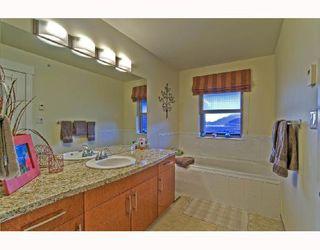 """Photo 4: 18 1026 GLACIER VIEW Drive in Squamish: Garibaldi Highlands Townhouse for sale in """"SEASONVIEW"""" : MLS®# V685594"""