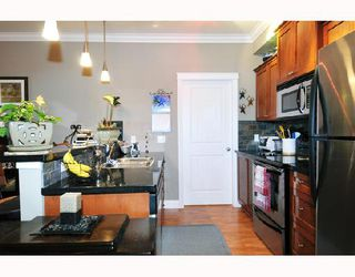 "Photo 4: 211 12268 224TH Street in Maple_Ridge: East Central Condo for sale in ""STONEGATE"" (Maple Ridge)  : MLS®# V716302"