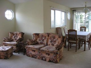 Photo 7:  in Carriage Court: Home for sale : MLS®# F2707525