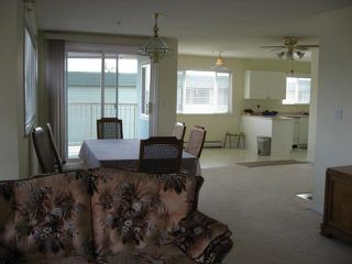 Photo 8:  in Carriage Court: Home for sale : MLS®# F2707525