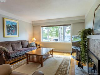 Photo 4: 3997 San Mateo Place in VICTORIA: SE Gordon Head Single Family Detached for sale (Saanich East)  : MLS®# 424703