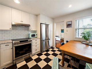 Photo 15: 103 1060 Southgate St in Victoria: Vi Fairfield West Condo for sale : MLS®# 844244