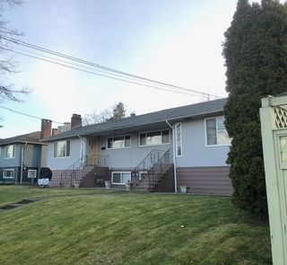 Photo 1: 6631 LINDEN Avenue in Burnaby: Highgate House for sale (Burnaby South)  : MLS®# R2496555