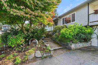 Photo 2: 18130 58A Avenue in Surrey: Cloverdale BC House for sale (Cloverdale)  : MLS®# R2501830