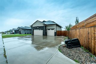 Photo 2: 431 Sauer Crescent in Saskatoon: Evergreen Single Family Dwelling for sale : MLS®# SK825701