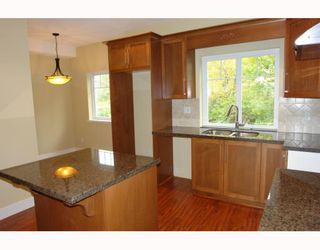 "Photo 3: 2 22386 SHARPE Avenue in Richmond: Hamilton RI Townhouse for sale in ""WESTMINSTER TERRACE"" : MLS®# V796181"
