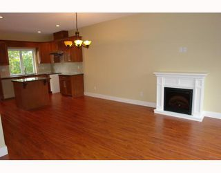 "Photo 4: 2 22386 SHARPE Avenue in Richmond: Hamilton RI Townhouse for sale in ""WESTMINSTER TERRACE"" : MLS®# V796181"